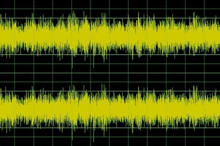iPhoneで音楽再生時に音飛びが発生する場合は、メモリを解放してやると良いみたい。